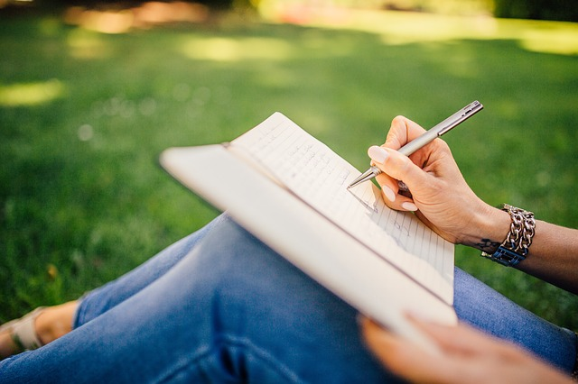 Reasons to Choose a Freelance Writing Career after College Graduation